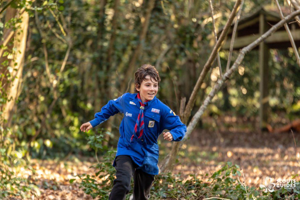 Scout en train de courir